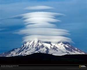 Mount Shasta and lenticular clouds: