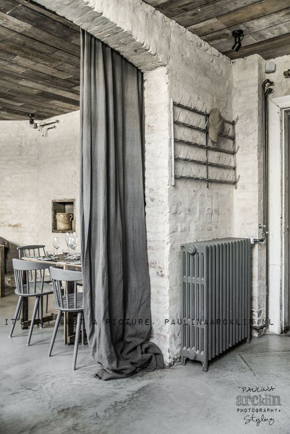 Oh my exposed floorboards rustic walls raw floor for Diner style curtains