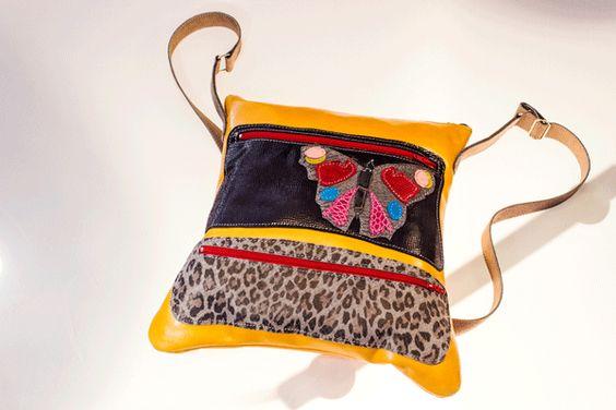 Bolso modelo Pluma motivo mariposa, no olvides que puedes hacerlo a tu gusto. pedidos: www.tiendacharrua.com
