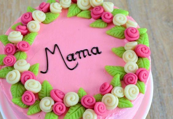 Moederdag taart met marsepeinen rozen - Laura's Bakery