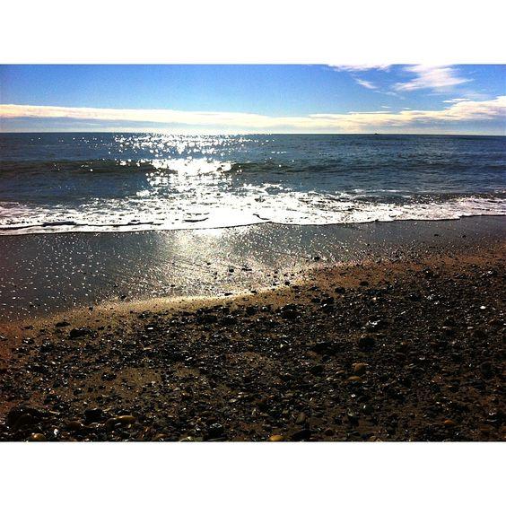 Office de tourisme de Frontignan. Le soleil brille sur les plages de #Frontignan ! #welovefrontignan