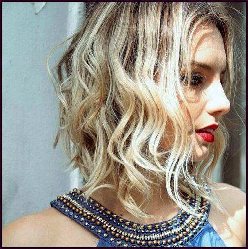 Modische Mittlere Frisuren Fur 2019 Kurzhaarfrisuren2019 Frisuren Trendfrisuren Neuefrisuren Haarschnitte Kurz Neue Frisuren Coole Frisuren Haarschnitt