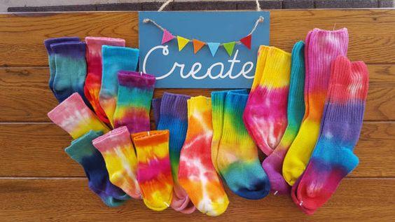 Tie Dye calzini, Rainbow Tie-Dye, Tie-Dye-abbigliamento, bambini Tie Dye, Childrens Tie-Dye, Baby Tie-Dye, calzini, Baby Shower regalo, Baby foto Outfit