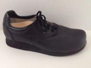 P W Minor Shoes Mens Size 9.5 Black 9 1/2 Extra Depth Orthopedic