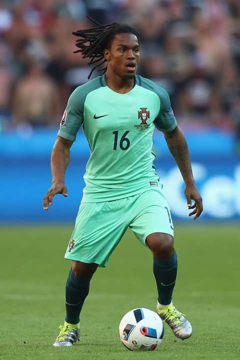Now then, let's have some action in this game! Over to you, Renato #Sanches! Good luck! #CROPOR: