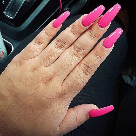 Lunch Lady Seretta These Press On Nails By Lee Are Awesome Press On Nails Nails Pink Coffin
