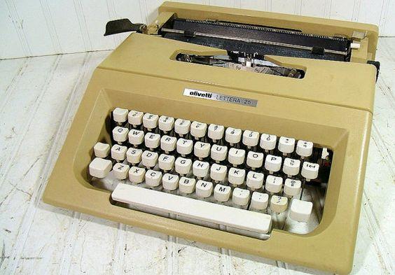 Vintage Manual Keyboard Olivetti Lettera 25 by DivineOrders, $57.00