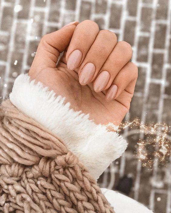І навіть манікюр під стиль інстаграму😂 просто ж так нюдові нігті не можна зробити😱 признавайтеся, ви теж так думаєте?( . Я ніколи не любила… #nailinspo