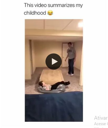 Brincadeira muito saudavel entre pai e filho