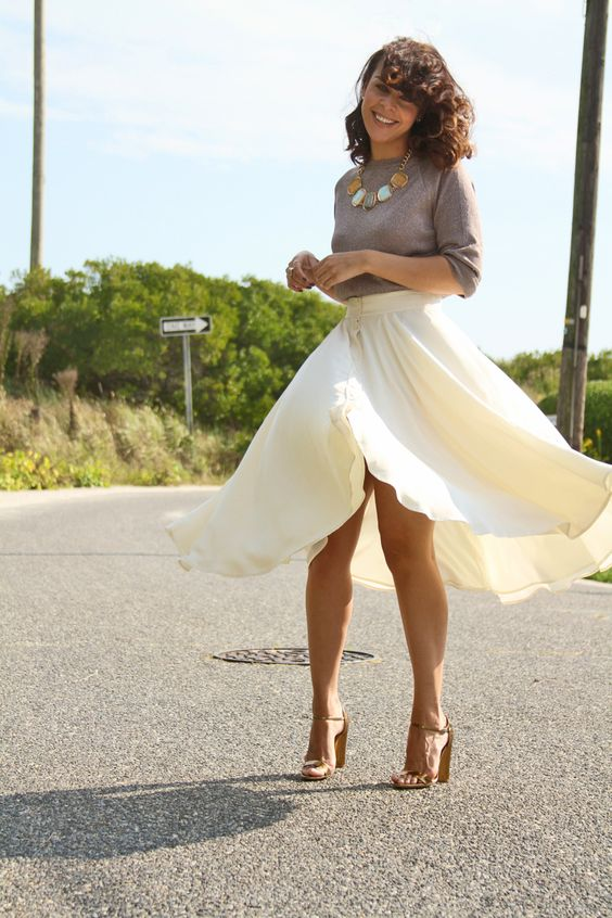 Zara top//Madewell skirt//Marc Jacobs sandals :: Fashion Bananas