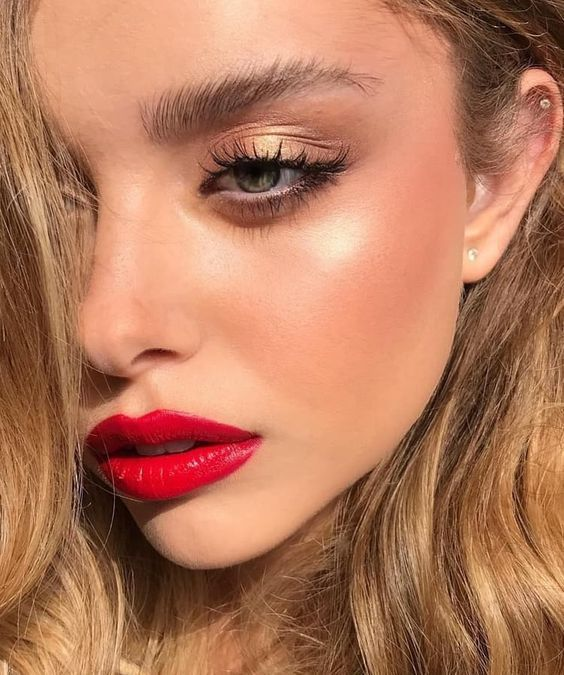 Simple Makeup Looks Red Lips Gold Eye Shadow Gold Eye Makeup