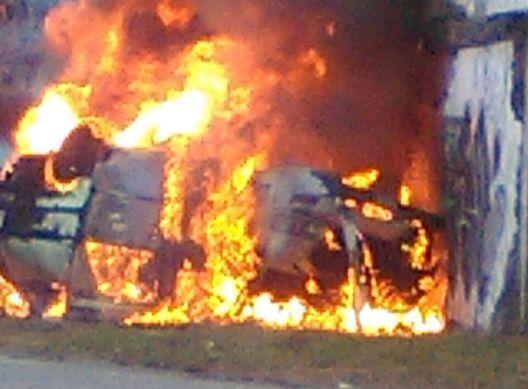 Ambulancia se incendia en Cali