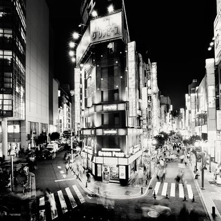 Black and white Tokyo nightscape photography