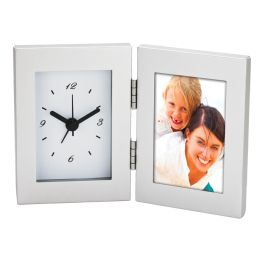 Desk Clock and Photo Frame | Corporate Gifts - http://www.ignitionmarketing.co.za/corporate-gifts