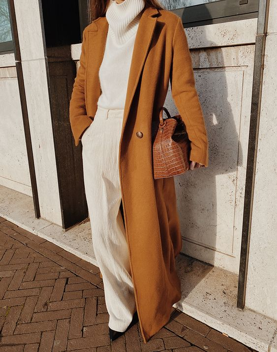 The Long Camel Coat | MODEDAMOUR