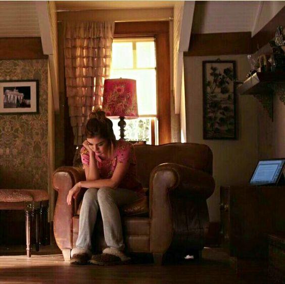 Aria Montgomery's room pll: