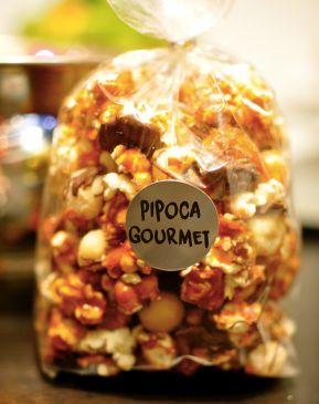 Receita de Pipoca Gourmet - Aprenda a fazer em casa Ah! Essa receita é uma ótima opção para ganhar uma grana extra vendendo, ou para presentear amigos.: