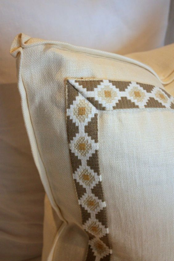 small flange with pinched corners and border trim on pillow Fabric and Pillows Pinterest ...