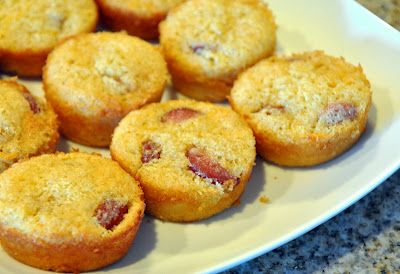Corn Dog Muffins: Corn Dog Muffins, Corn Dogs, Cornbread Mix, Cakes Muffins, Hot Dogs, Meat Monday S, Blogger Recipes, Monday Corn