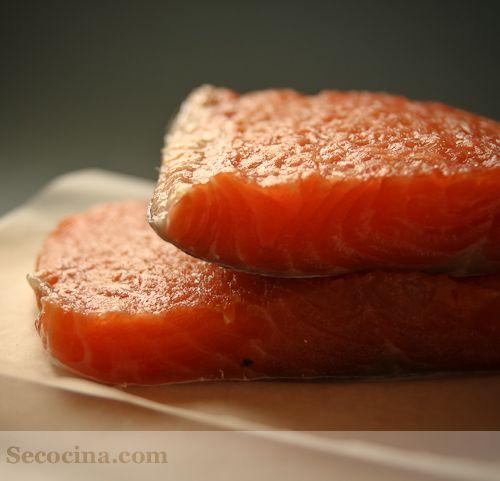 Salm n ahumado casero recetas de pescado pinterest for Canape de salmon ahumado