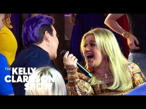 I Wanna Dance With Somebody Whitney Houston Cover By Kelly Clarkson Kellyoke Youtube Kelly Clarkson Whitney Houston Sunday Song
