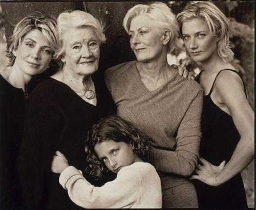 Four generations of a British acting dynasty: Natasha Richardson, grandmother Rachel Kempson, Vanessa Redgrave, Joely Richardson, and Joely's daughter Daisy | Tumblr