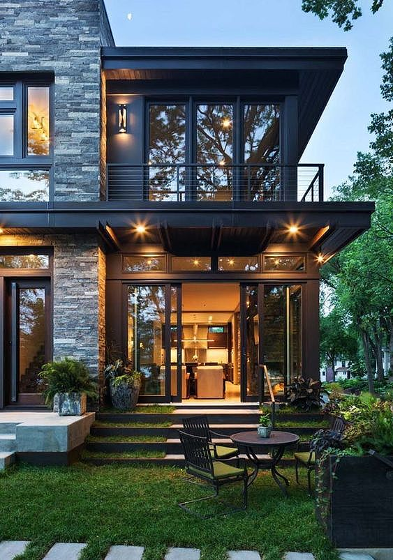 A Modern Home Looks Relaxing Enough The Man Modernhome Midcenturymodern Gard Contemporary House Exterior House Architecture Design House Designs Exterior
