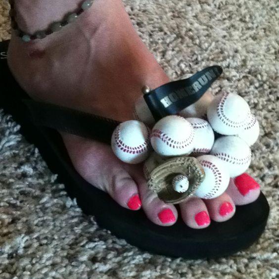 Baseball flip flops!: Baseball Stuff, Flip Flops, Useless Things, Baseball Flip, Things Softball, Craft Ideas, Diy Flip