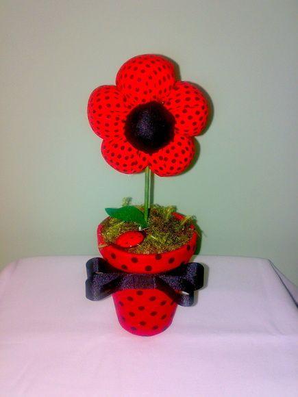 Flor de tecido para decoração ou centro de mesa para festas. Outras estampas disponíveis a gosto do cliente. Pedido minimo de 5 peças. R$ 12,00