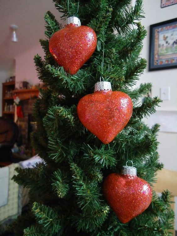 Set of 3 Red Glass Heart Christmas Tree by CraftsbyCummins on Etsy