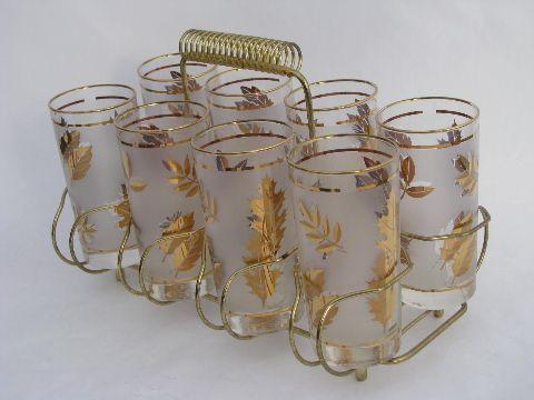 Tivemos um jogo de copos assim, a parte meio fosca era roxa, o efeito era muito bonito. Eu, só bebia nesses copos, super metida.... até conseguir quebrar todos kkkkkkk.....