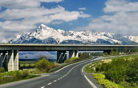 #highway #road #skies #snow Connect with me on FutureNet at http://teamsocial.futurenet.club