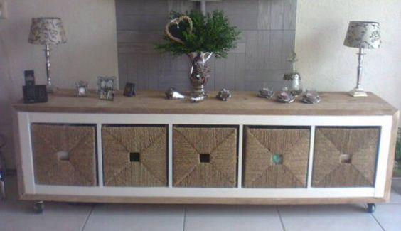 een ikea kast bekleden met steigerhout zwenkwielen eronder ikea manden erin en je hebt voor. Black Bedroom Furniture Sets. Home Design Ideas