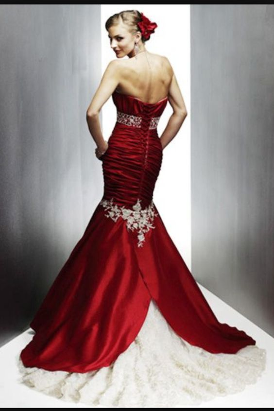 Gorgeous back to red and white mermaid