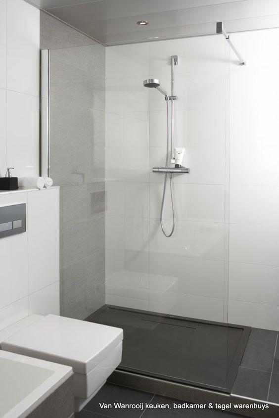 Moderne, strakke, badkamer bij van wanrooij keuken, badkamer ...