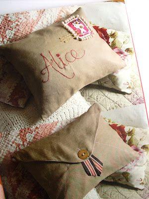 Envelope pillows // funda almohada carta