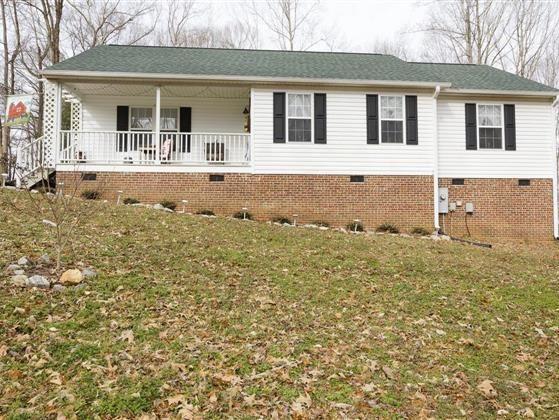 207 Lansing Drive Benson Nc 27504 Real Estate Gas Logs New Carpet
