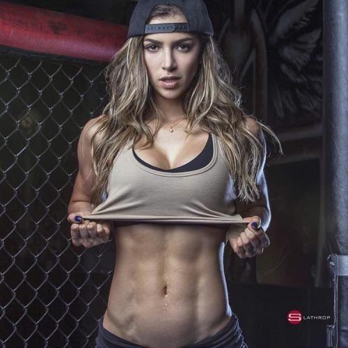Fitness:  # #@anllelasagra_ She's a MUST FOLLOW  ... (fitnessgirlsmotivation) (link: http://ift.tt/2baYs05 )