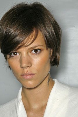 freja beha always rockin' the right 'do.