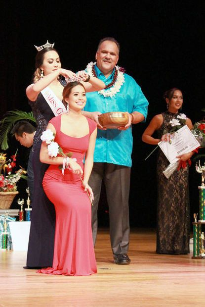 Crowning Miss Garden Isle 2016