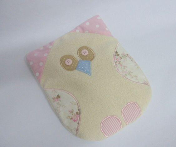 Bolsa térmica corujinha. Feita com malha para bichinho e tecido de algodão.