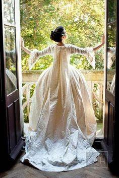 Robe de mariée en soie crème, dinspiration 18e siècle - Robe de ...