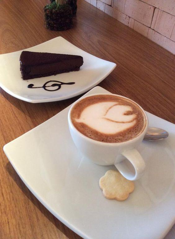 Camomila Bistrô e Café