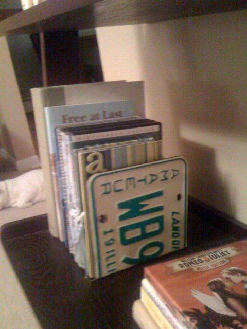 Repurposed old license plates into bookends upcycle for Recycle and redesign ideas