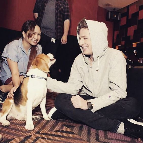 «They knew I was stressed out so they brought me a beagle dog to play with.»