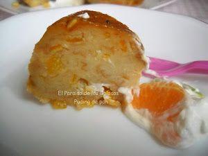 Puding de pan en el microondas. Decóralo luego con mucha fruta, como han hecho en el blog El paraíso de los golosos, y verás qué delicia.