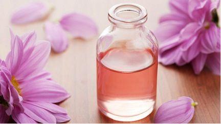 Essential Oils - Easy, DIY Perfume!