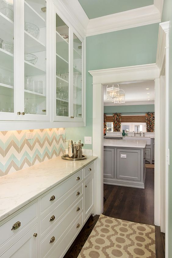 House of Turquoise: Colordrunk Designs  (Would LOVE to try this tile in a bathroom!):