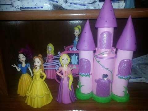 Blancanieves, Bella, Aurora, Cenicienta y Rapunzel