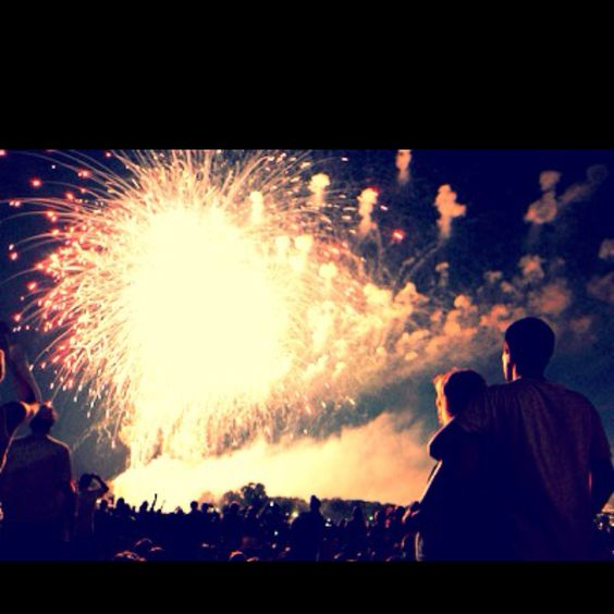 Baby you're a firework<3